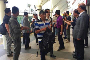 遭索马里海盗劫持的部分获救中国船员启程回国