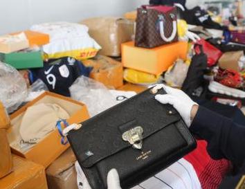 东莞海关查获侵权货物千余件 涉古驰、耐克等品牌