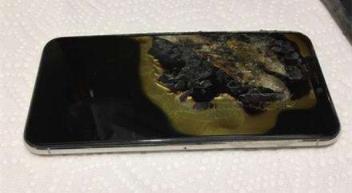 iPhone XS Max首次自燃 客服拒额外赔偿