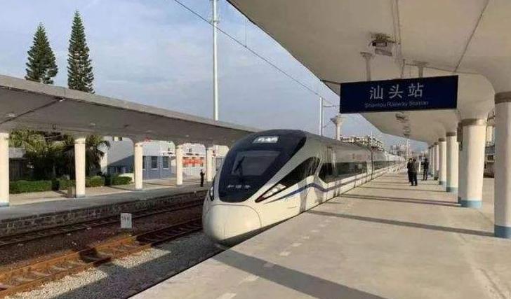"""广东汕头交通再""""提速"""" 动车正式开进中心城区"""