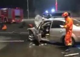 河北廊坊发生重大交通事故 已致2人死亡19受伤