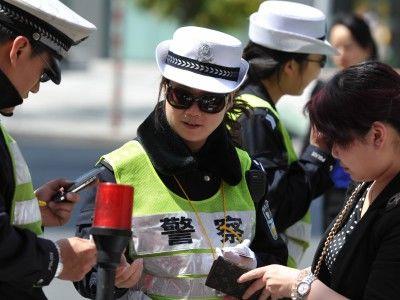 """驾驶人""""买分""""行为将纳入处罚 深圳11月1日起执行"""