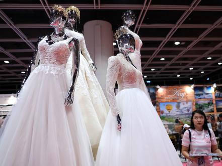美国华裔婚纱设计师王薇薇:不顺是我成功的垫脚石