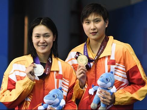 游泳——女子800米自由泳:中国队包揽冠亚军