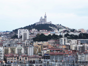 看病难、看病贵 法国三分之二民众曾放弃治疗