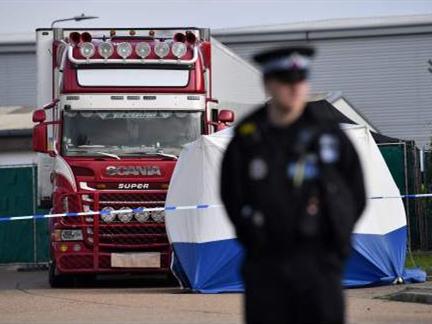 英警方公布货车案39名遇难者身份 最小遇难者仅15岁