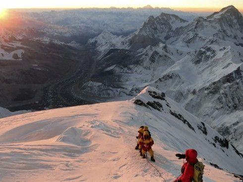 滑雪需謹慎!意大利阿爾卑斯山脈發生雪崩 致3死2傷