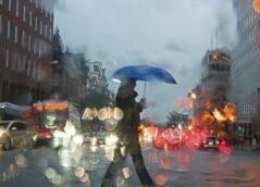 多地遭遇极端天气 南方为何出现连阴雨?
