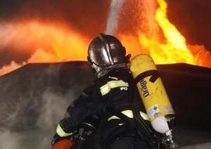 盐城化工厂爆炸事故着火储罐和着火点被扑灭 相关人员被控制