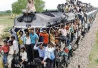 慘劇再現:印度4名青年在鐵軌上自拍 3人遭碾壓身亡