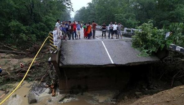 尼泊尔洪灾死亡人数升至32人
