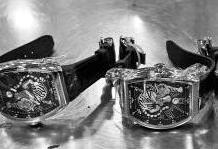 学童身藏多块高档手表入境 被皇岗海关查获
