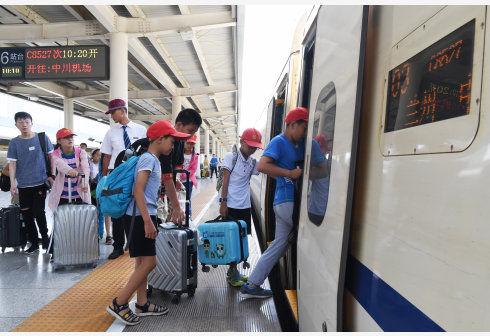 中国铁路警方:中秋节假期破获各类刑事案件115起