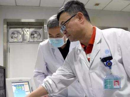 专访被感染医生张劲农:是医生也是患者,生病经历成为临床经验