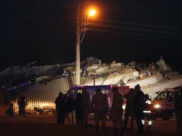 土耳其6.8級強震致死人數升至21人 1000多人受傷