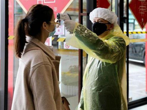 """零售行业复工复产面临""""大考"""",商家多方面保障员工身心安全"""