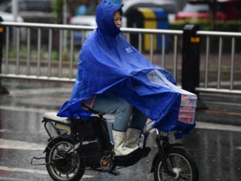 广东五天内雷雨明显 部分市县雨势强