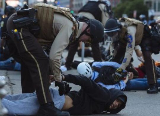《紐約時報》:抗議活動會引發第二波疫情嗎?