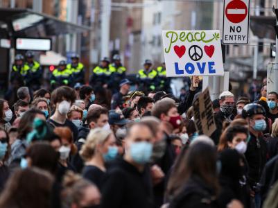 弗洛伊德之死再次引发澳大利亚多城市民众抗议游行
