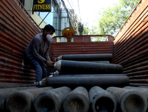 """印度首都新德里宣布""""封城""""延长一周"""