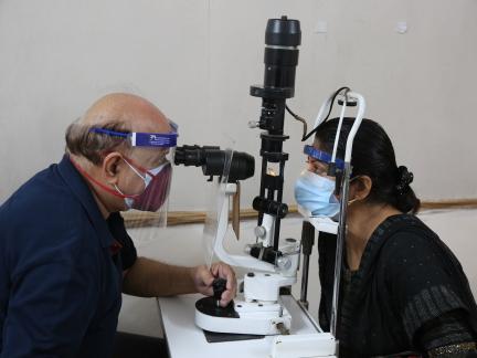 印度报告超3万人感染毛霉菌病 关键药物严重短缺